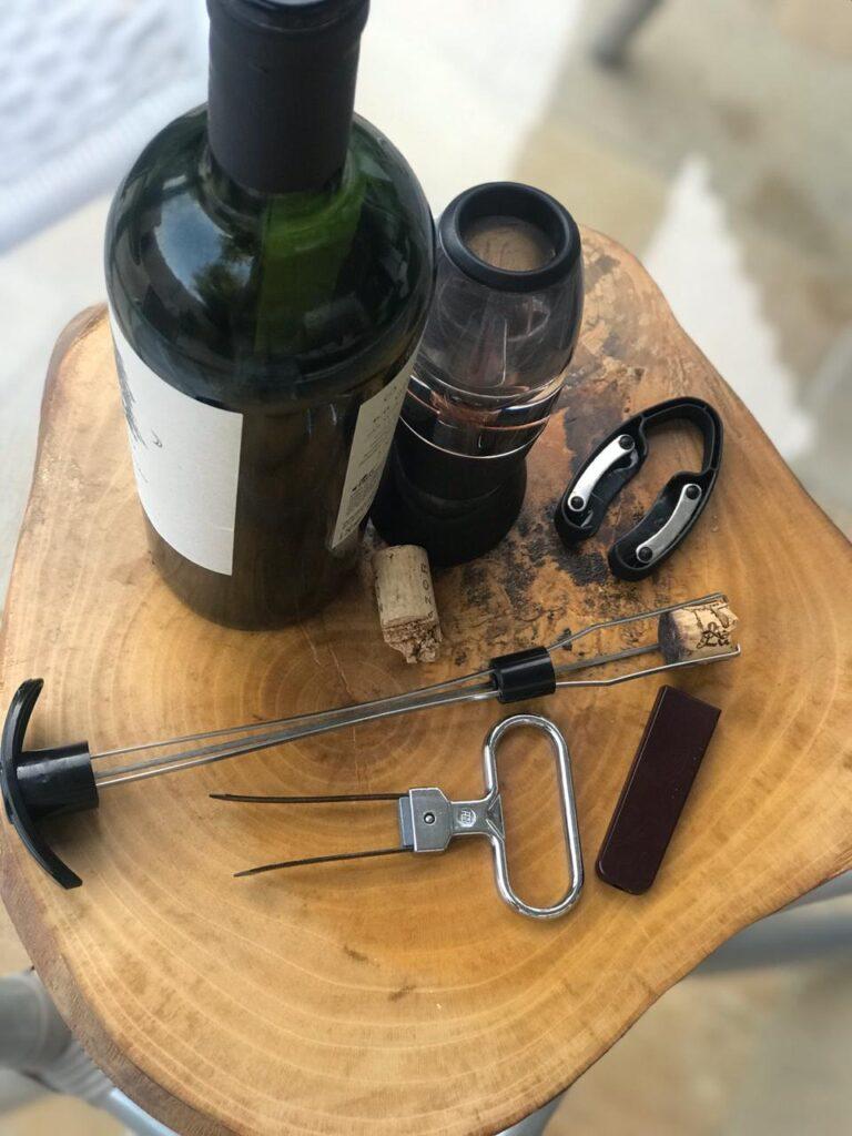 O que fazer quando a rolha quebra dentro da garrafa? 1